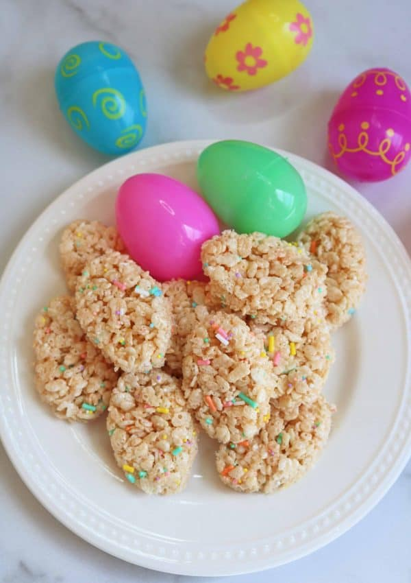 Adorable Easter Egg Rice Krispie Treats (So Easy!)