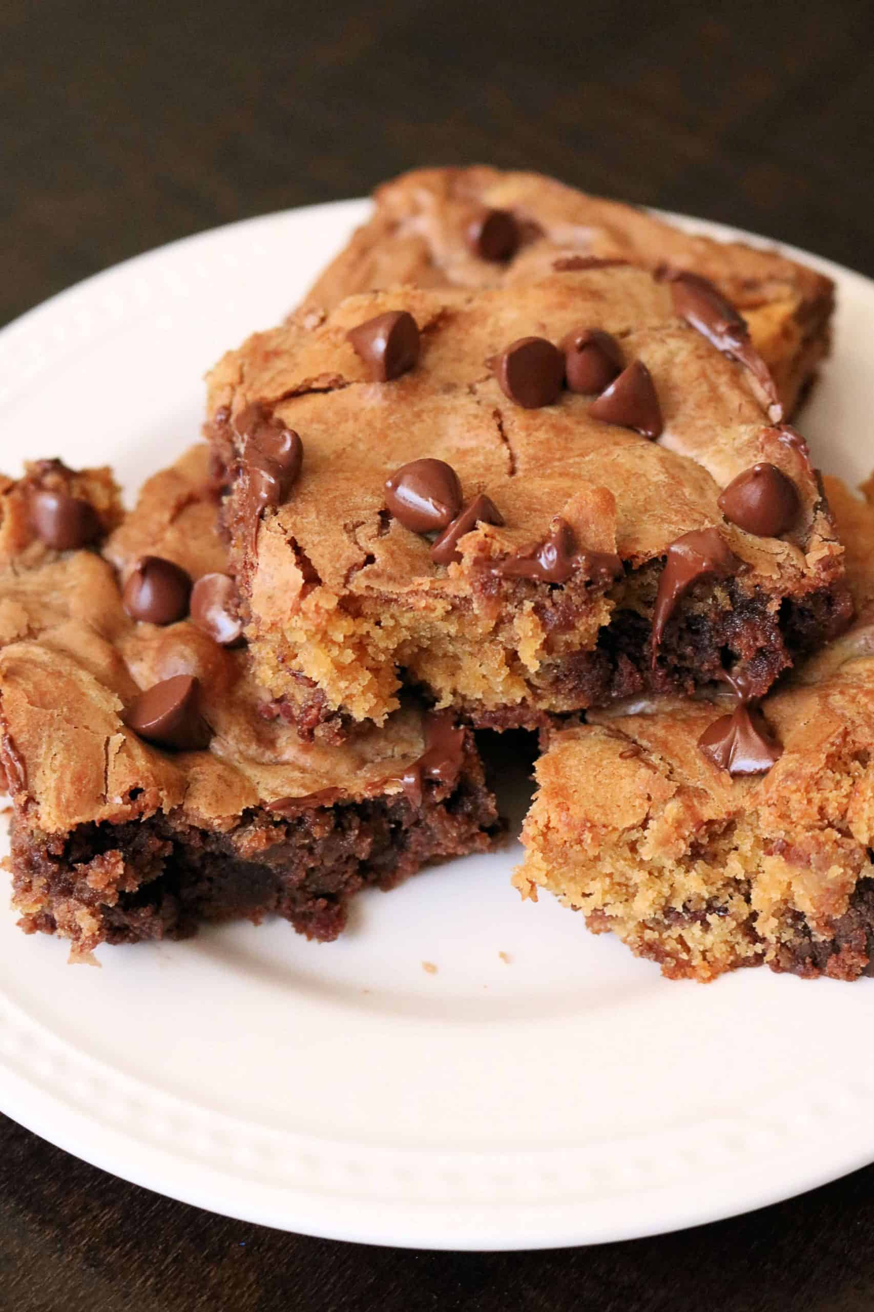 Craving cookies and brownies? Try these Easy Chocolate Chip Brookies made with a simple boxed brownie mix and homemade chocolate chip cookie dough. These easy brownie cookie bars are so delicious, soft, and fudgy! #brookies #brownies #cookies #cookiebars #browniebars #browniecookies