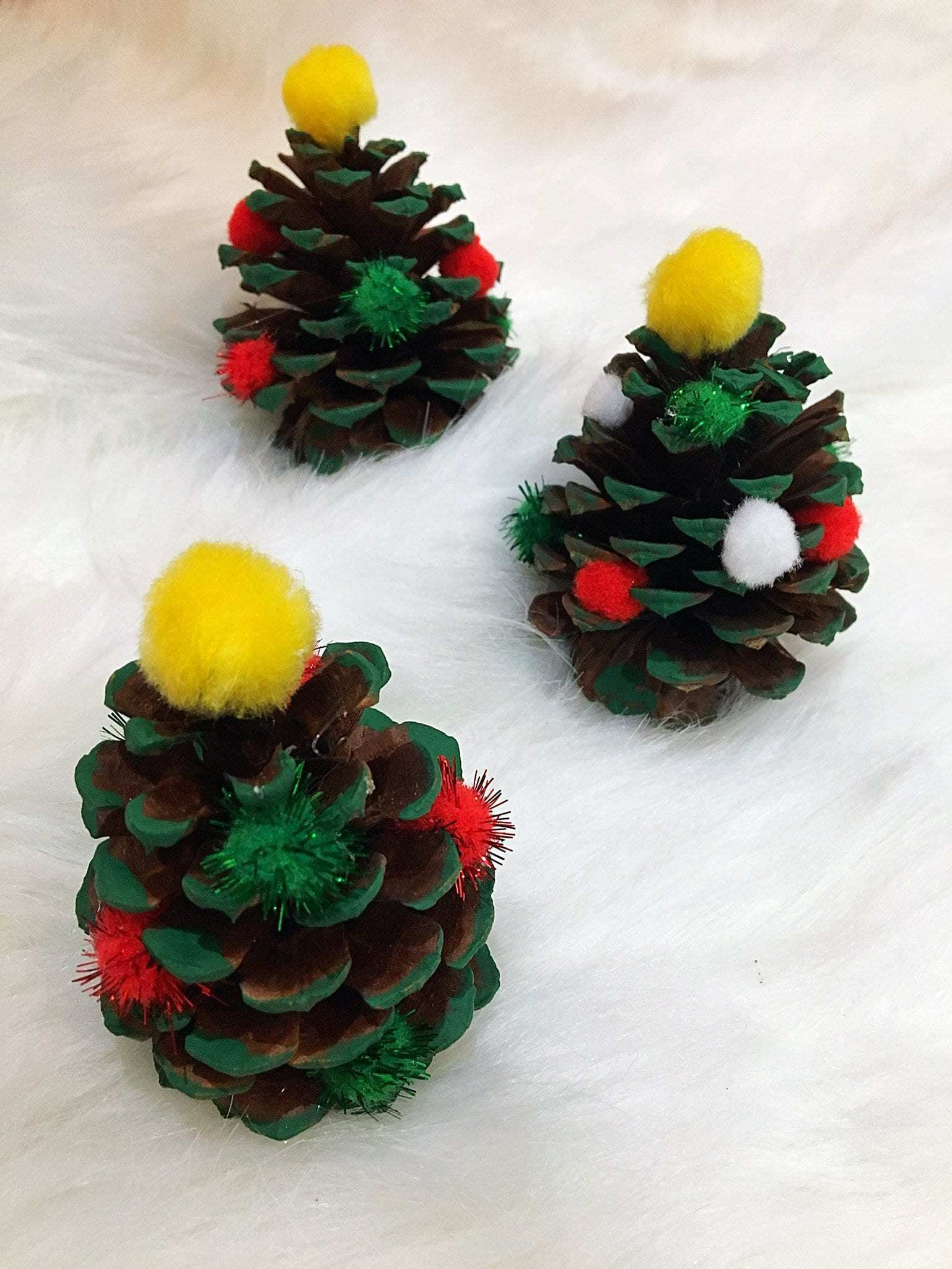 Easy Adorable Kid S Pinecone Christmas Ornaments Kindly Unspoken