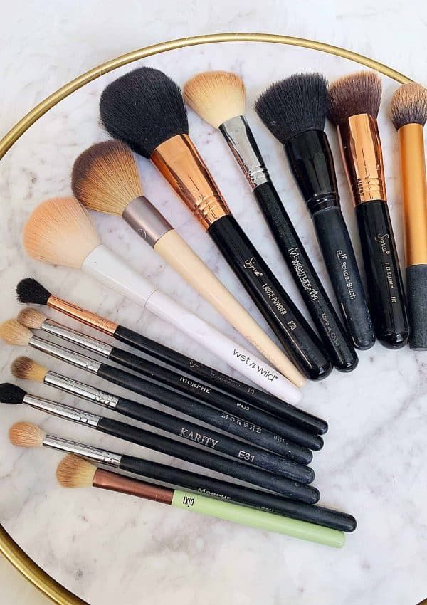 Beginner Makeup Brush Guide (The Brushes You Need)