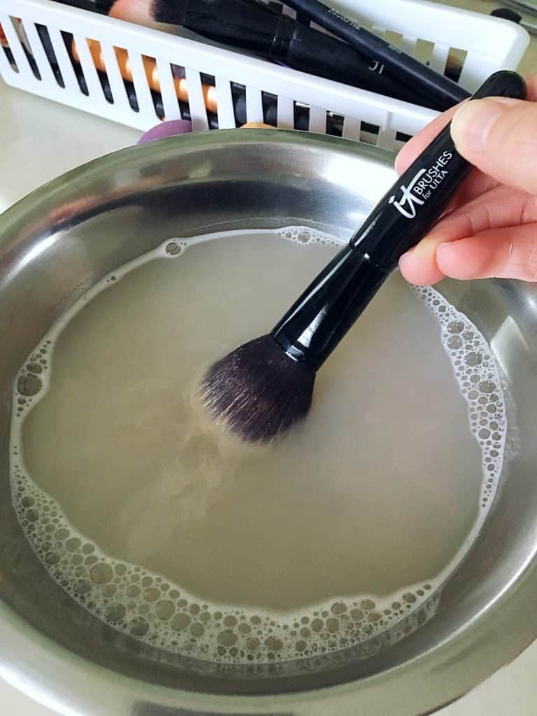 How to Clean Makeup Brushes The Easy Way - Kindly Unspoken
