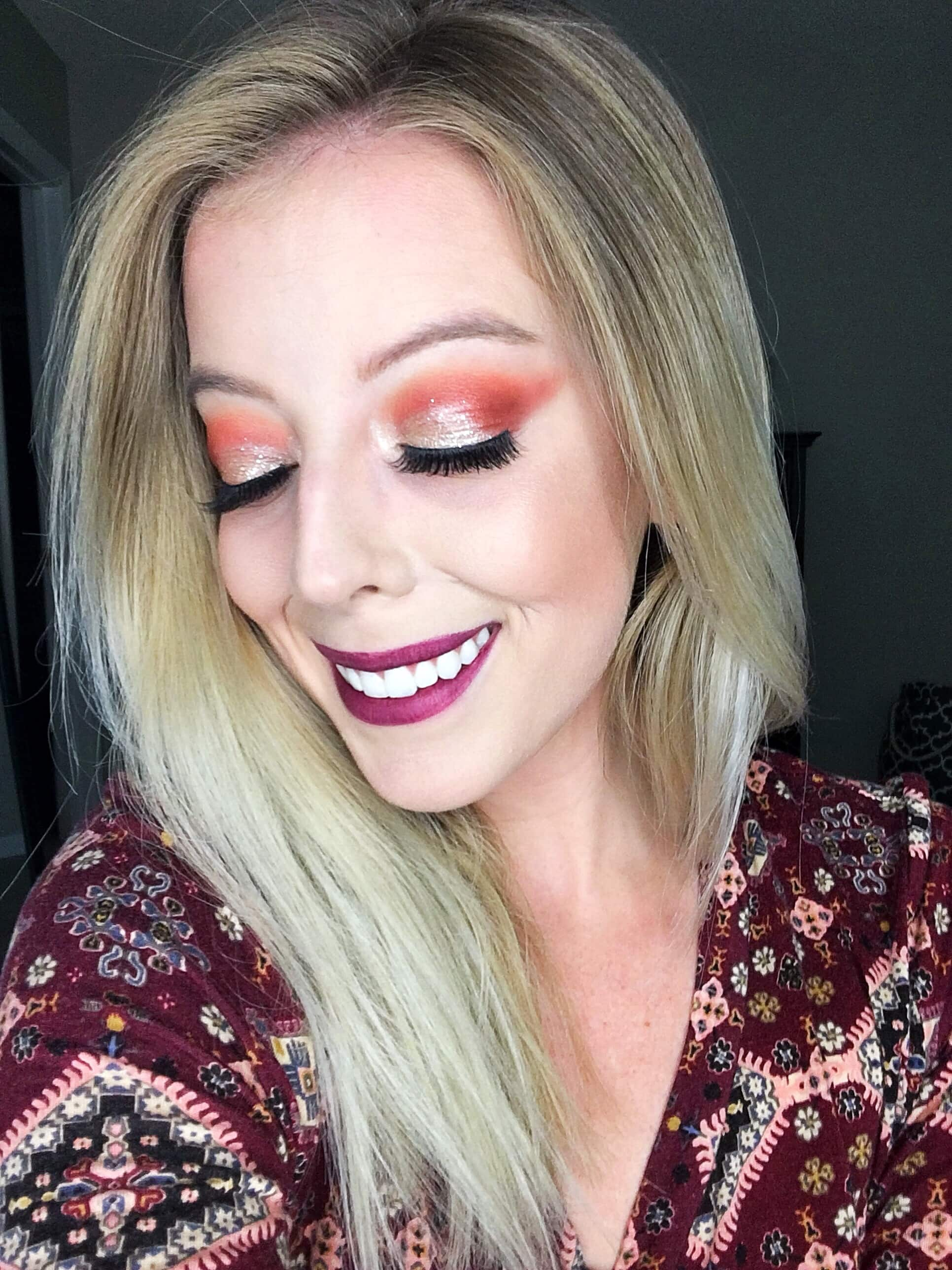 Gorgeous fall eye makeup look using the Morphe 350 Nature Glow palette! Check out my full review with swatches in the post. #falleyeshadow #fallmakeup #eyemakeup #eyeshadow