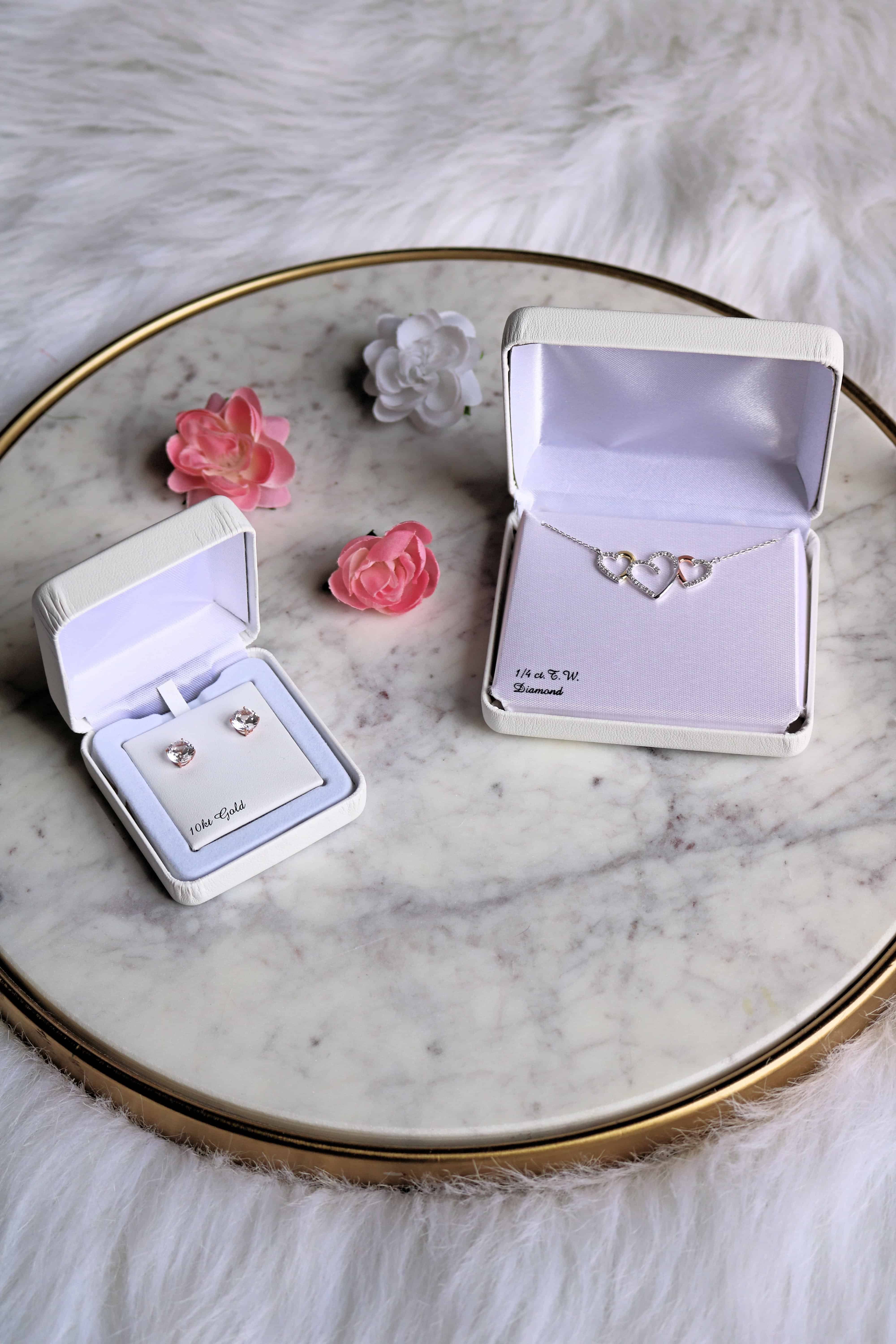 Give your Mom what she really wants this year for Mother's Day! Check out this roundup ofbeautiful and affordable mother's day jewelry gifts at Kohl's that both you and your Mom will love! From gorgeous necklaces, rings, earrings, and gift boxes, there's something for every Mom out there! #ad #KohlsJewelry #KohlsFinds #mothersdayjewelry #mothersdaygifts