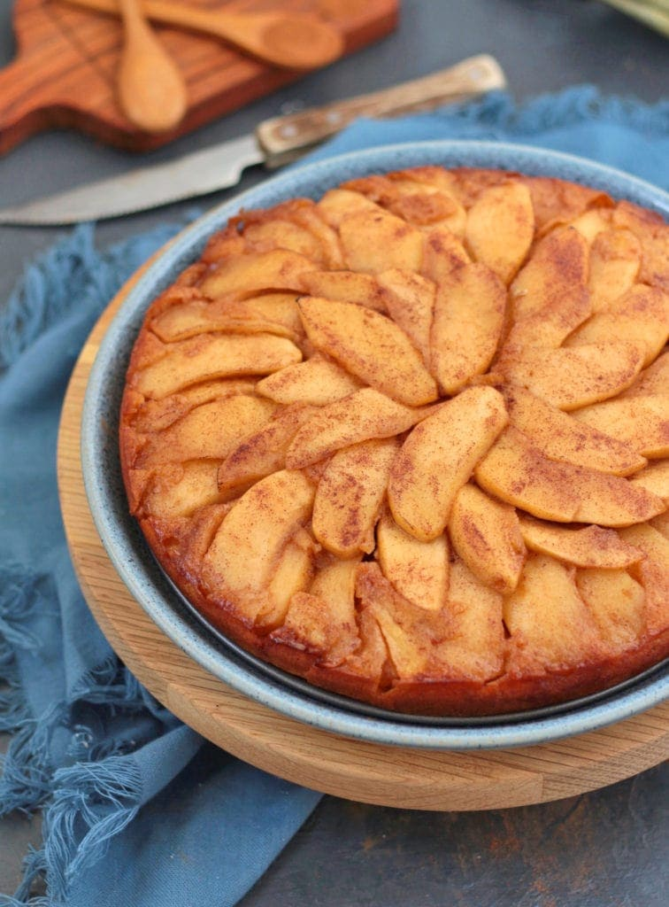 Apple Upside Down Cake - Love apple desserts? Get your fall baking on with these 15 delicious and easy apple dessert recipes including the best apple pies, cakes, apple crisp, and more! #applerecipes #appledesserts #baking #fallbaking