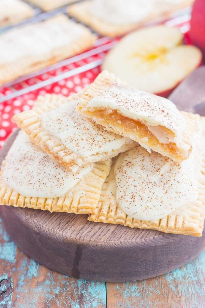 Apple Pie Poptarts - Love apple desserts? Get your fall baking on with these 15 delicious and easy apple dessert recipes including the best apple pies, cakes, apple crisp, and more! #applerecipes #appledesserts #baking #fallbaking
