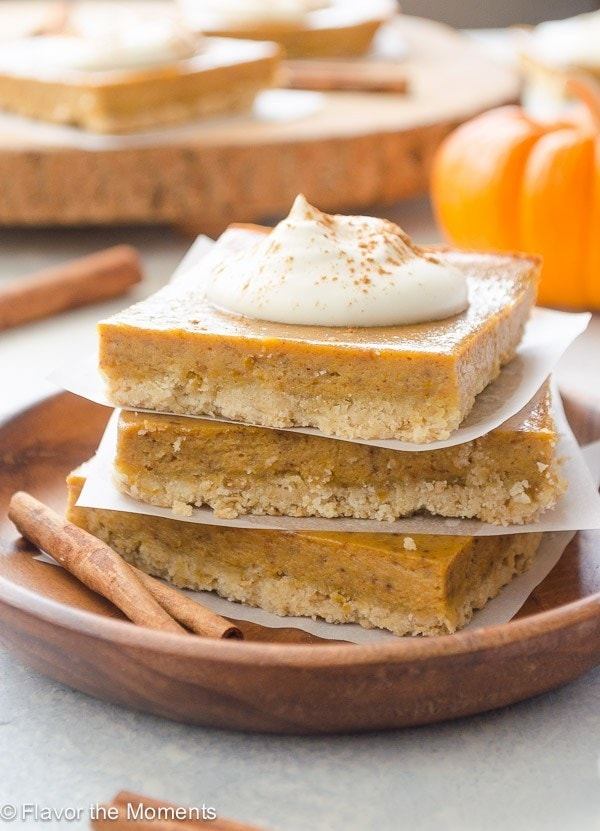 Easy Pumpkin Pie Bars | Check out these 15 Easy Pumpkin Desserts for Fall and Thanksgiving! From quick and easy desserts with simple ingredients like pumpkin pie and pumpkin cream cheese bread, to pumpkin cookies, cheesecake, and cake, you'll love this list of the best pumpkin desserts ever!  #pumpkindesserts #pumpkinrecipes #falldesserts #thanksgiving