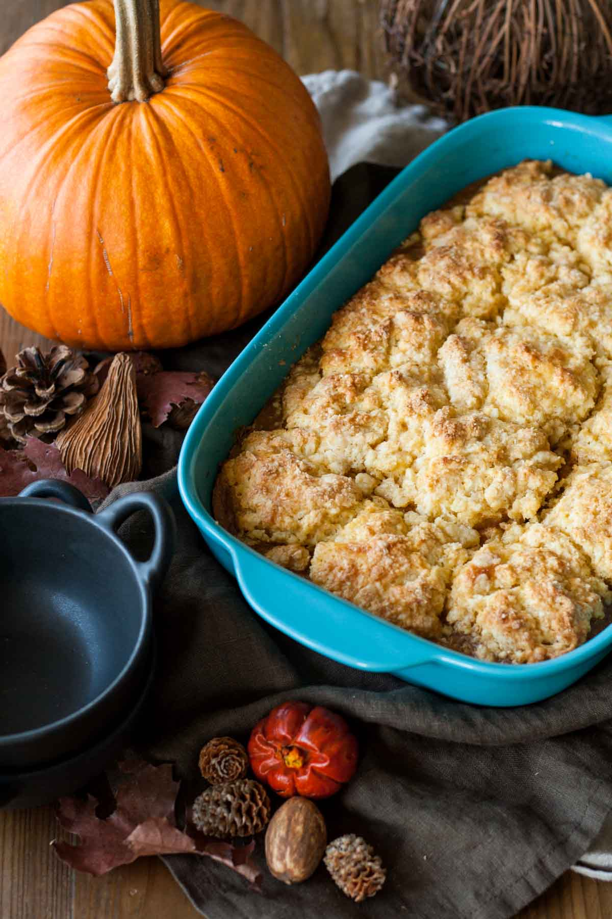 Pumpkin Cobbler | Check out these 15 Easy Pumpkin Desserts for Fall and Thanksgiving! From quick and easy desserts with simple ingredients like pumpkin pie and pumpkin cream cheese bread, to pumpkin cookies, cheesecake, and cake, you'll love this list of the best pumpkin desserts ever!  #pumpkindesserts #pumpkinrecipes #falldesserts #thanksgiving