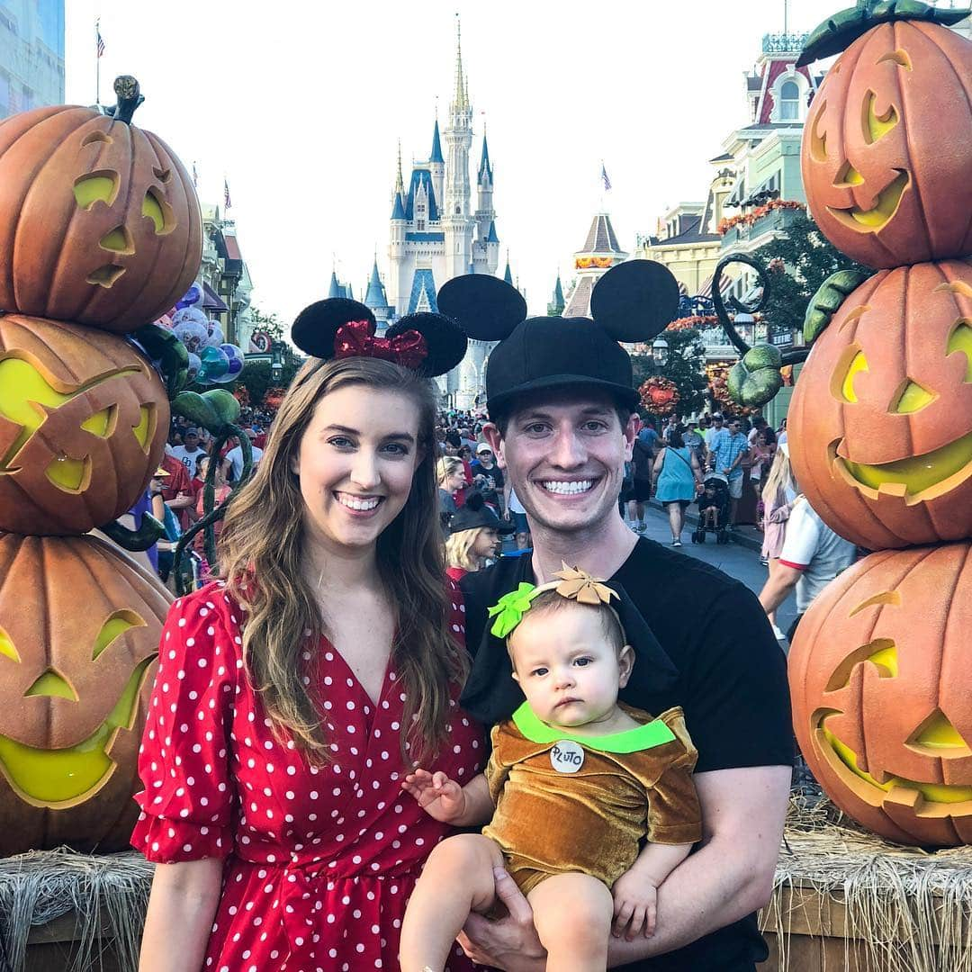 Mickey Minnie and Pluto Family Halloween Costumes - Check out these 40 cute and creative Halloween costume ideas for women, couples, families, and friends! #halloween #halloweencostumes #halloweencostumeideas
