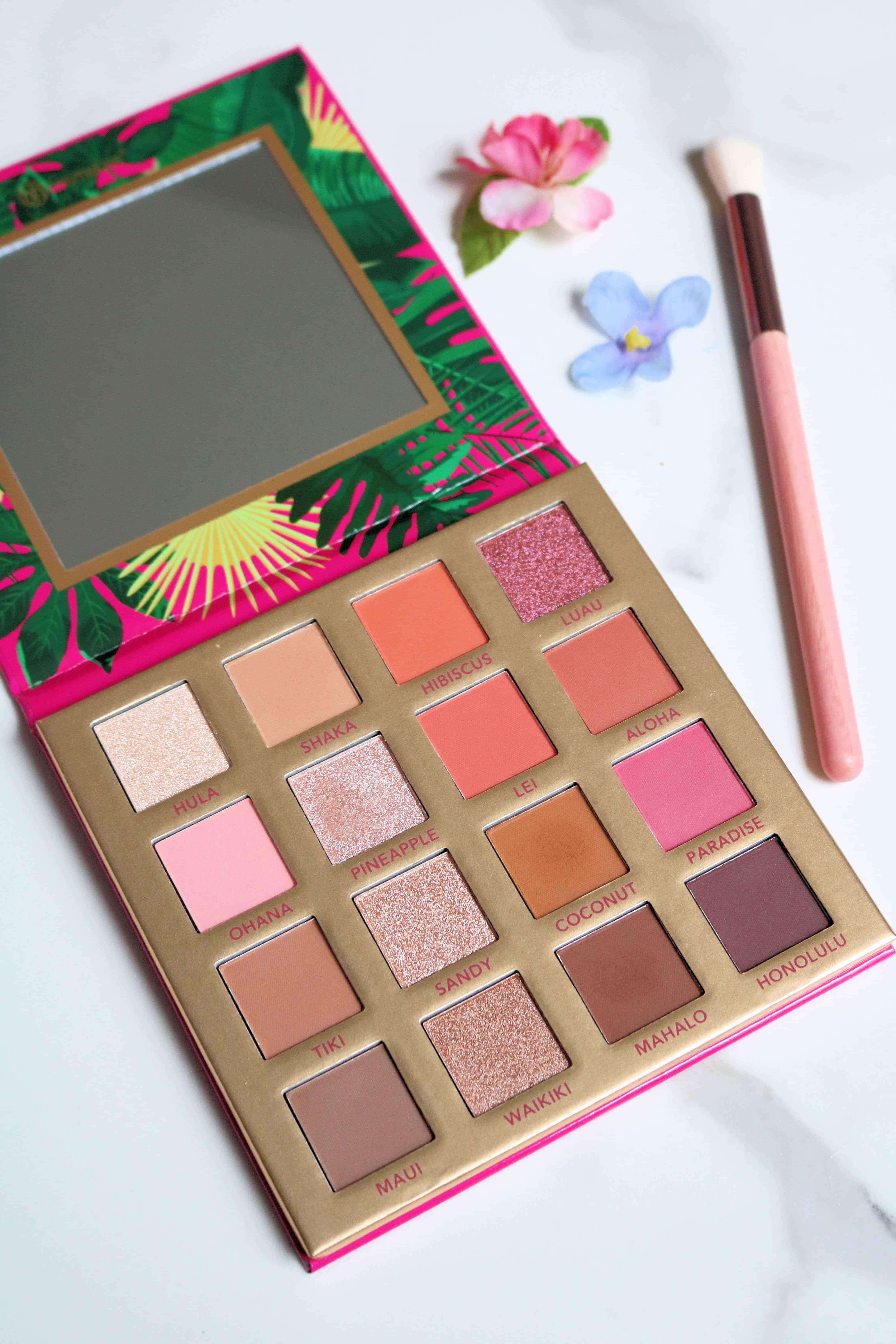 The BH Cosmetics Hangin in Hawaii Palette might just be my new favorite drugstore eyeshadow palette! Check out my review and swatches for my full thoughts. #drugstoremakeup #bhcosmetics #eyeshadowpalette