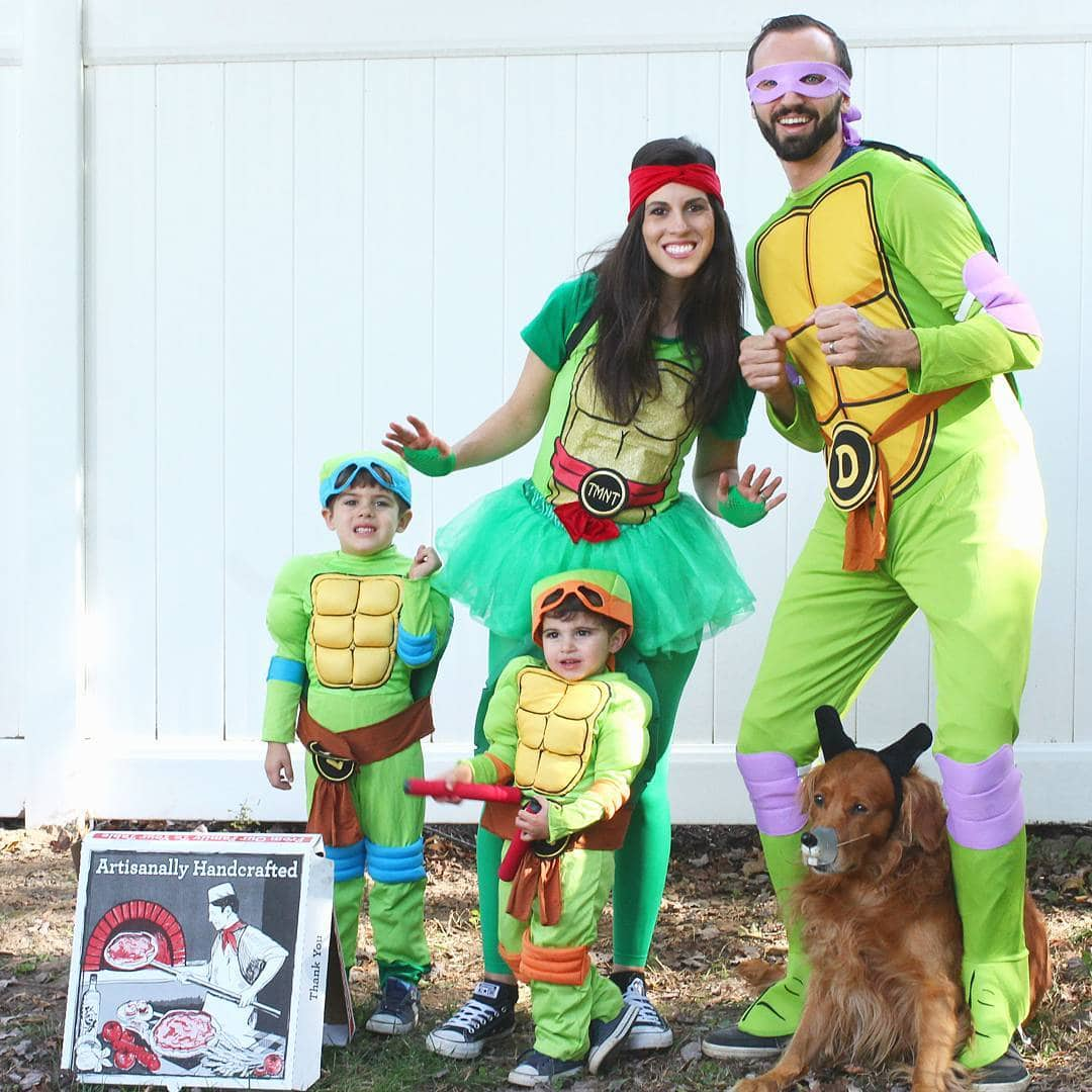 Ninja Turtles Family Halloween Costumes - Looking for cute, cheap, and easy Halloween costumes or unique last-minute, DIY Halloween costume ideas? Check out these 40 Creative Halloween Costume Ideas for women, moms, cute couples, small and large families, and best friends! You're sure to win the best Halloween costumes with these picks. #halloween #halloweencostumes #halloweencostumeideas #easycostumes
