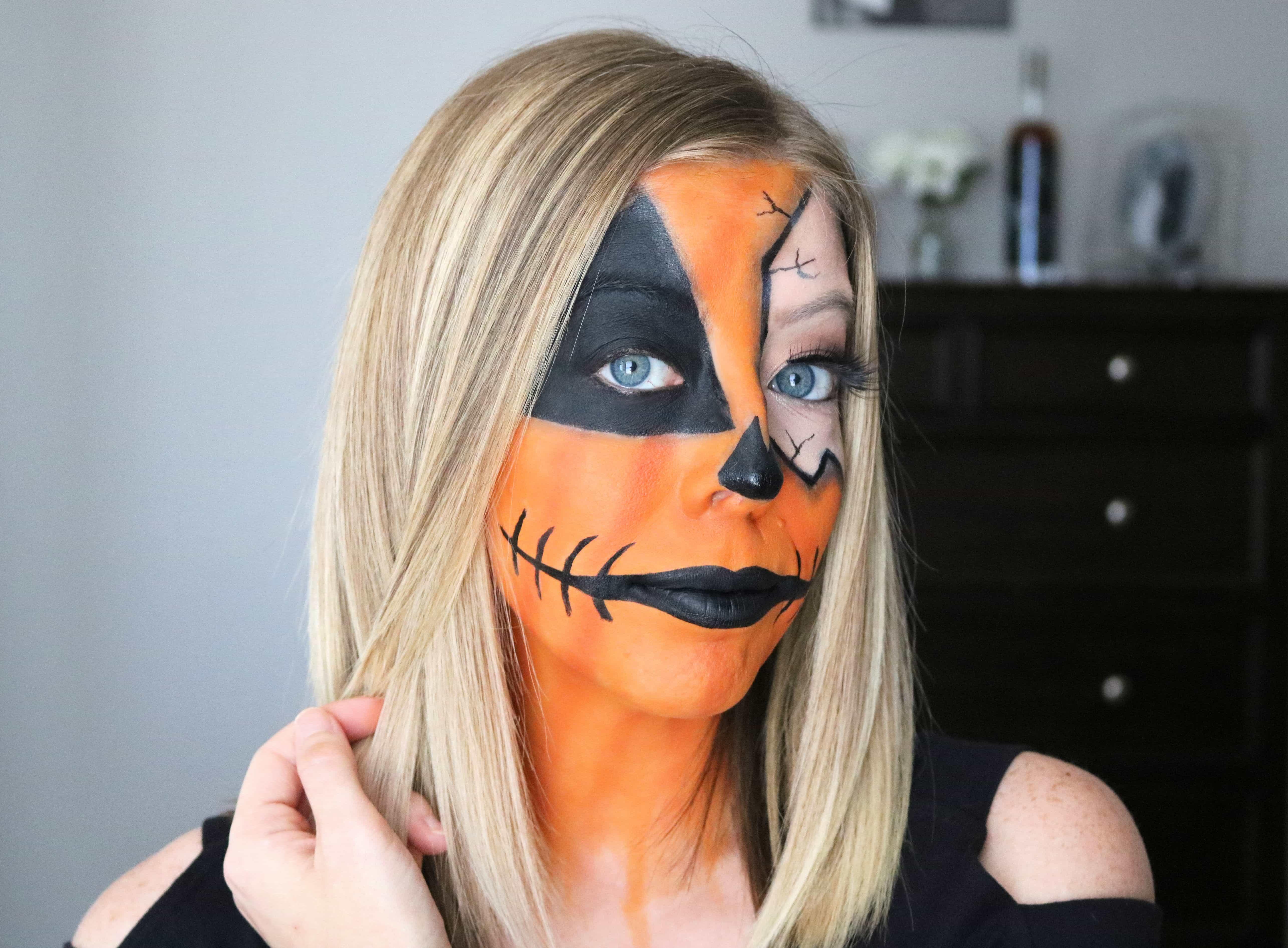 Love jack o' lantern pumpkins? Then create a spooky and fun halloween makeup look this year with my easy cracked pumpkin makeup tutorial! #pumpkinmakeup #halloweenmakeup #halloweenmakeuptutorial #halloween #jackolantern