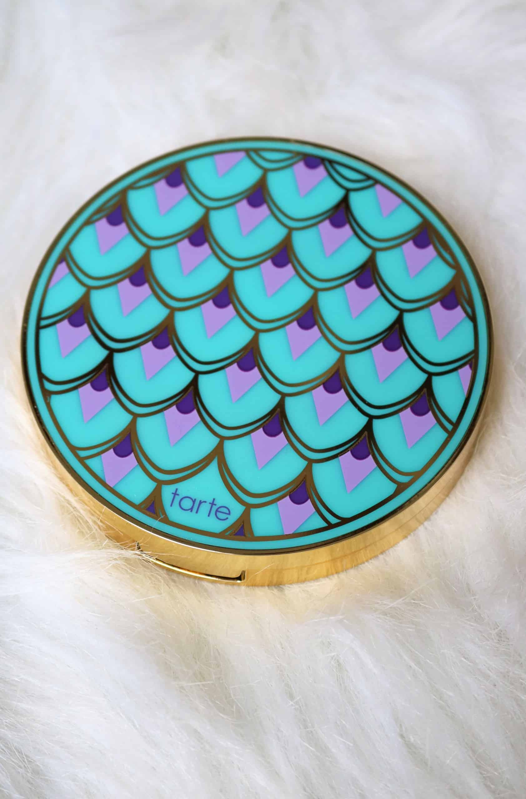 Check out my review of the beautiful Tarte Rainforest of the Sea Palette Volume III with swatches of all 8 gorgeous eyeshadow shades! This affordable Tarte eyeshadow palette has beautiful highlighting eyeshadow shades that add the perfect pop of shimmer to the eyelid. #tarte #eyeshadowpalette #makeupreview #affordablemakeup