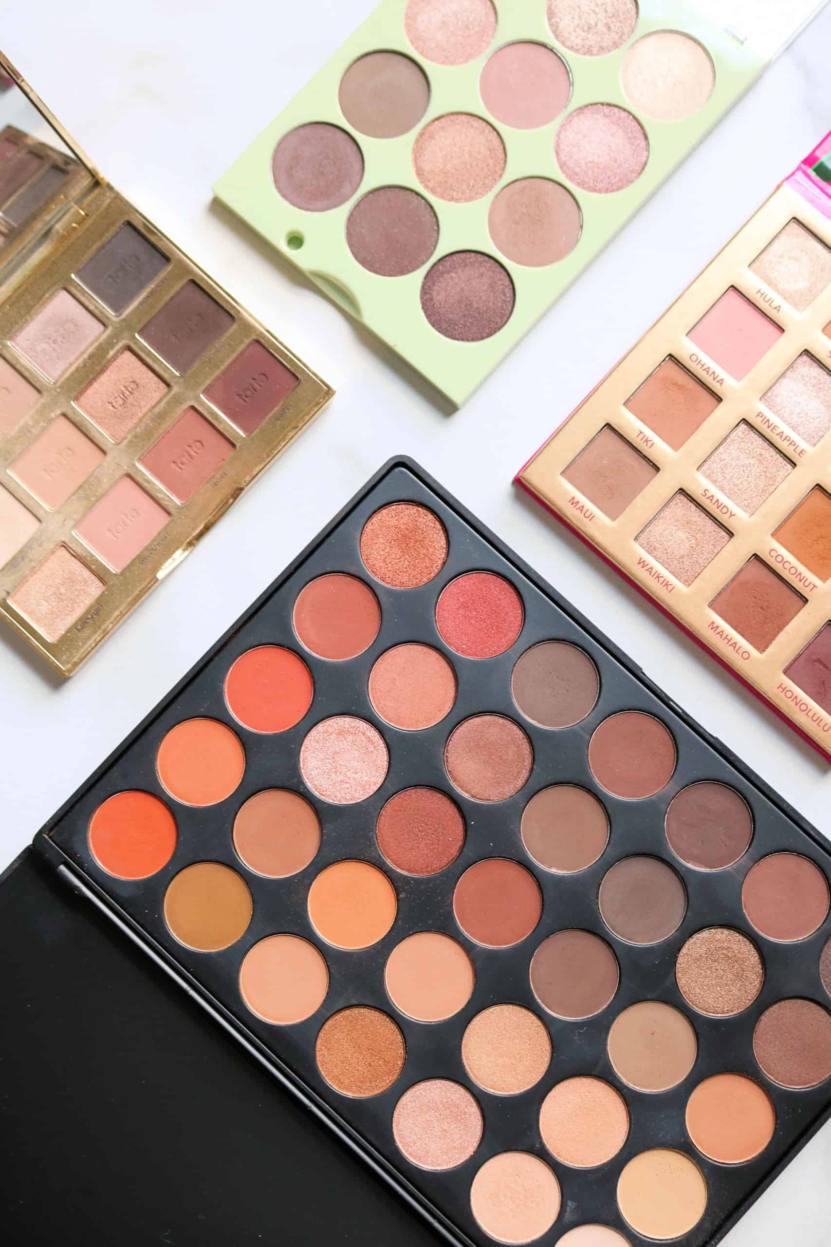 Check out the 8 Best Neutral Eyeshadow Palettes for everyday wear including both high end and quality drugstore eyeshadow palettes! These affordable neutral eyeshadow palettes have both cool and warm matte eyeshadows perfect for creating both natural eye makeup looks and romantic, smokey eye makeup looks. #eyeshadow #drugstoremakeup #highendmakeup #bestmakeup