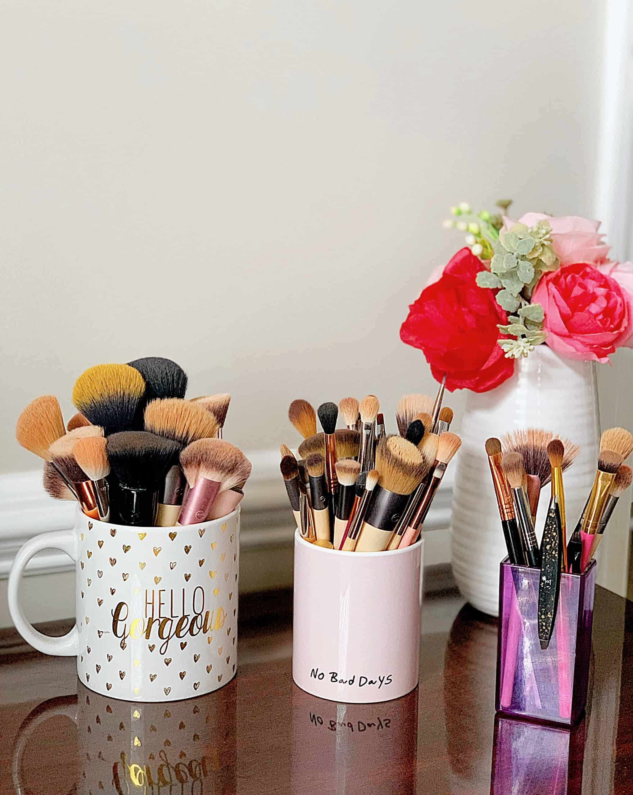 Looking for the best makeup brushes? Check out this list of the Best Affordable Makeup Brushes + Sets with both budget-friendly drugstore makeup brushes and affordable high end makeup brushes from Ulta, Sigma Beauty, and on Amazon! Everything is under $30! #makeupbrushes #bestmakeupbrushes #makeupbrushsets #affordablebeauty