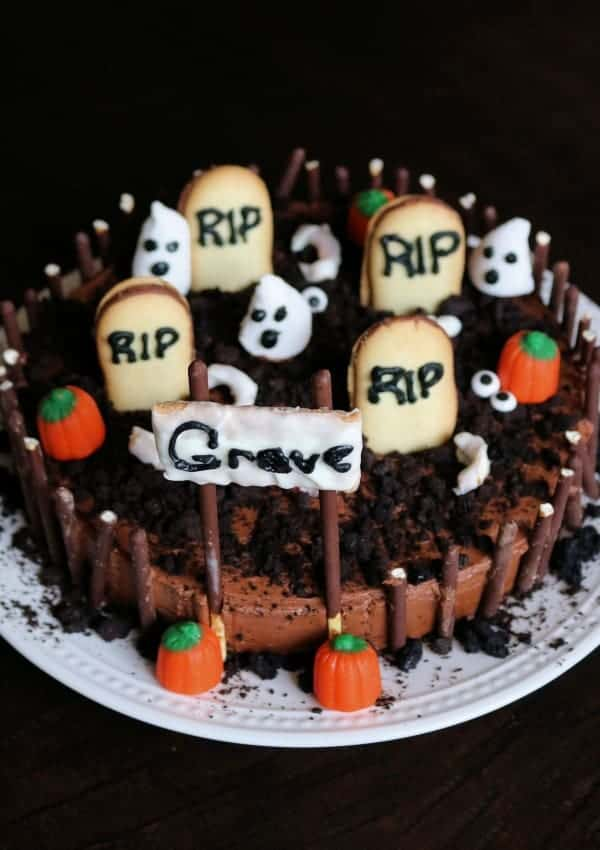 Easy Halloween Graveyard Cake