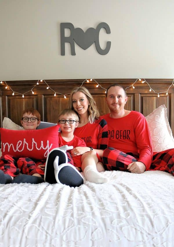 DIY Family Christmas Photos – Cute & Easy Ideas